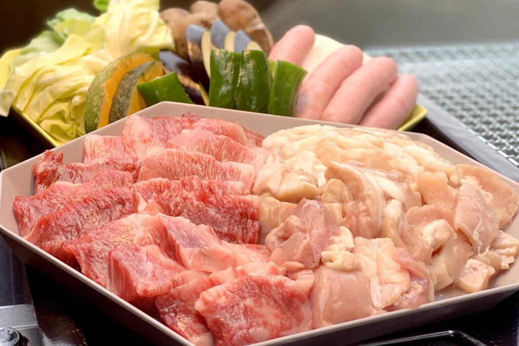 地元のお肉屋さんと共同開発したBBQセット